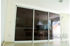 Película Espelhada Metalizada Preta Perolizada Dia Externo